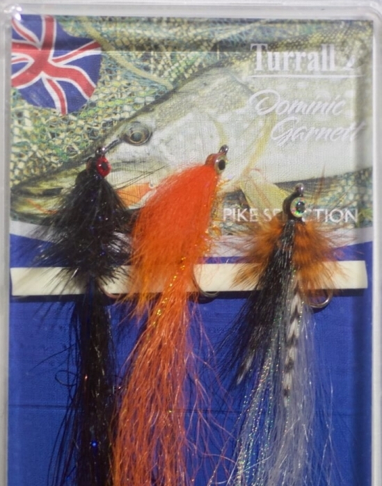 Small pike flies easy to cast fly