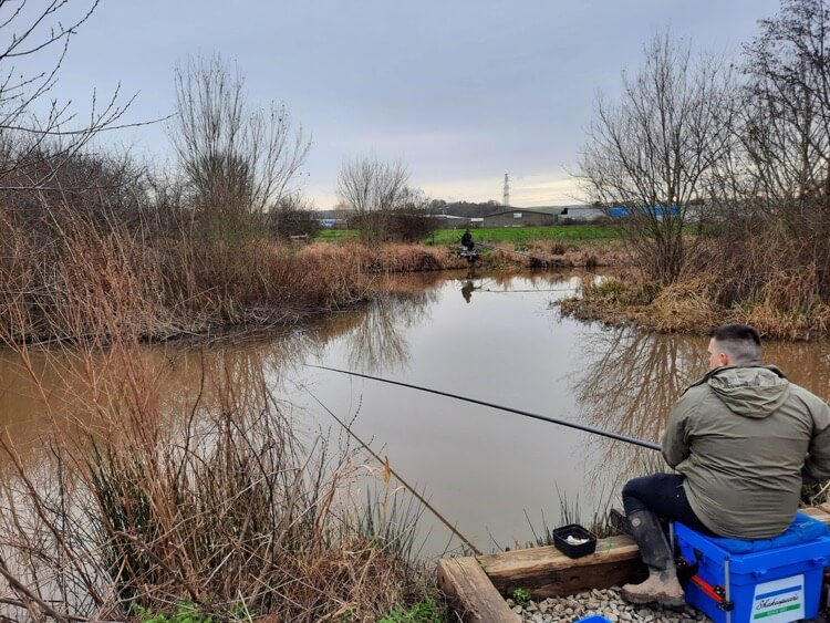 Harpers Ponds Exeter coarse and carp fishing
